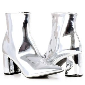 BRAND NEW Metallic Pointed Toe Bootie